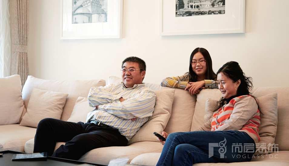 香江别墅装修业主一家三口的幸福时光