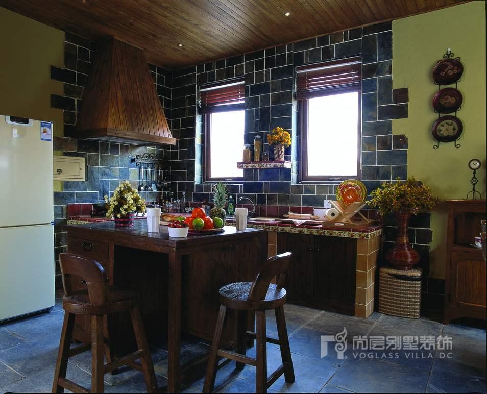 美式别墅厨房装修实景图