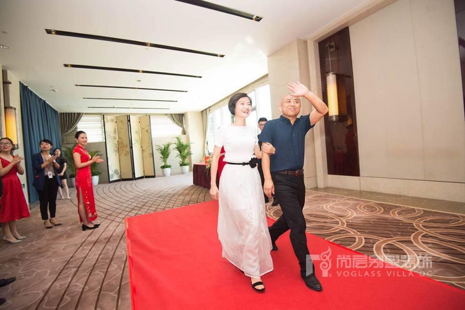 尚层副总裁王恩来走红毯