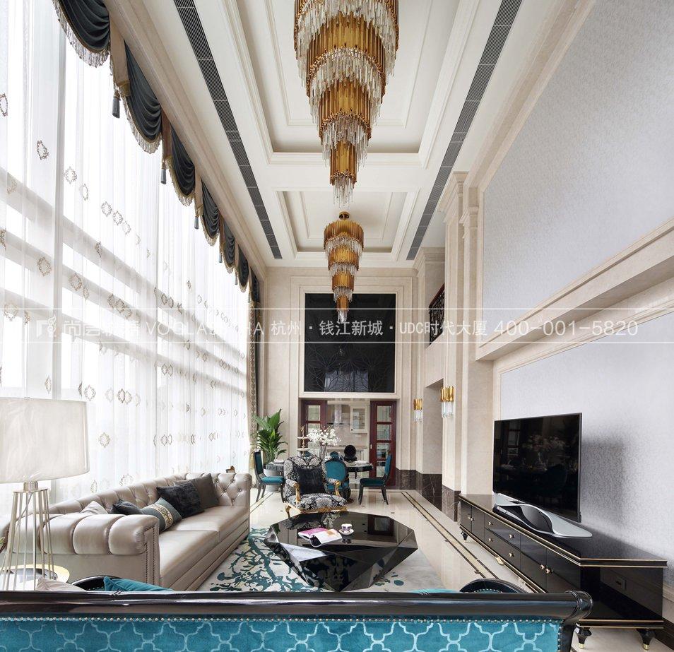 法式轻奢风格软装设计案例-客厅实景图-尚层软装