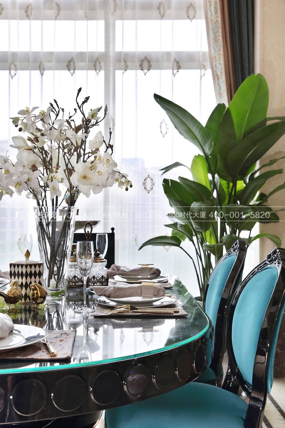 法式轻奢风格软装设计案例-餐厅实景图-尚层软装
