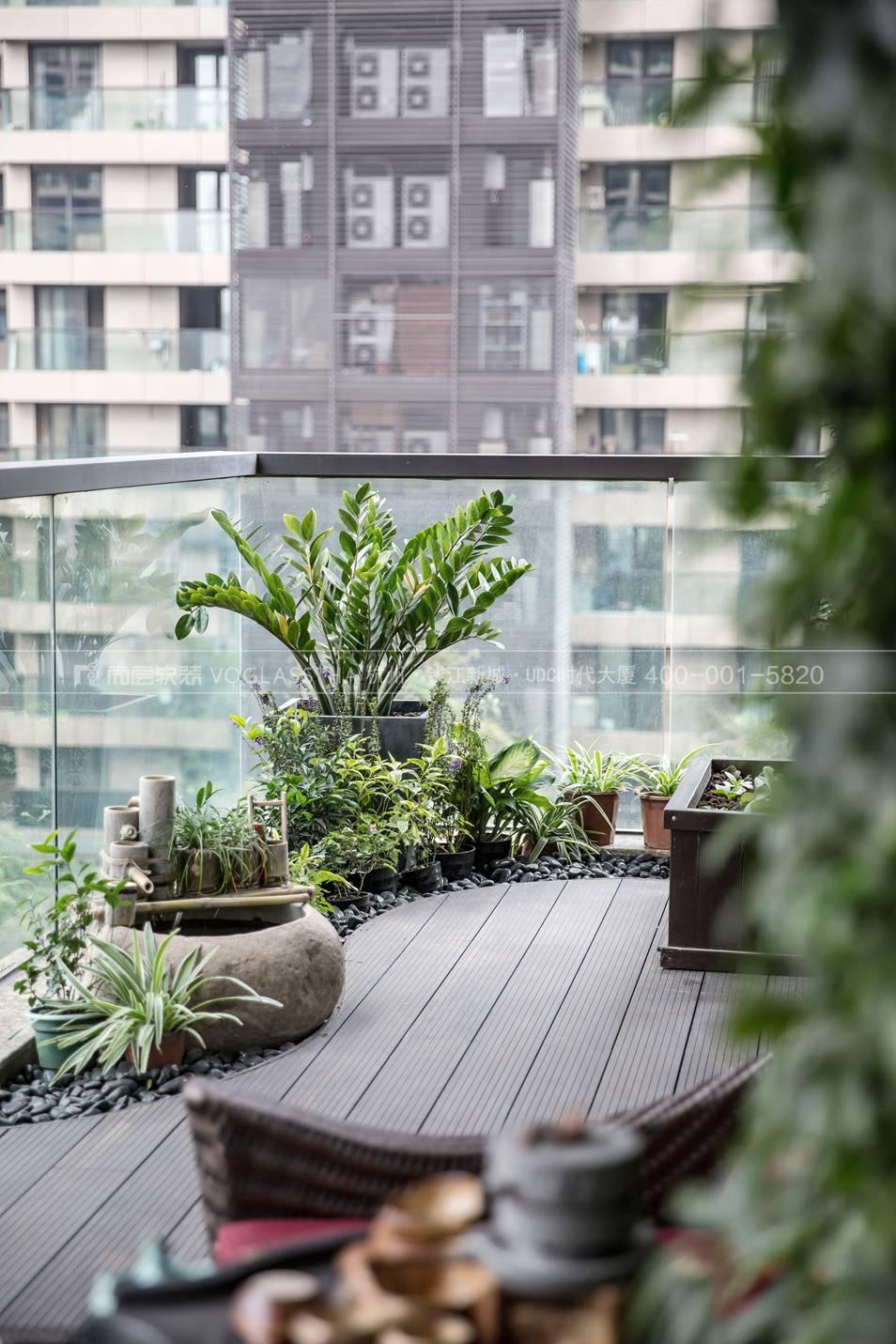 现代轻奢风格软装案例-阳台实景图-尚层软装