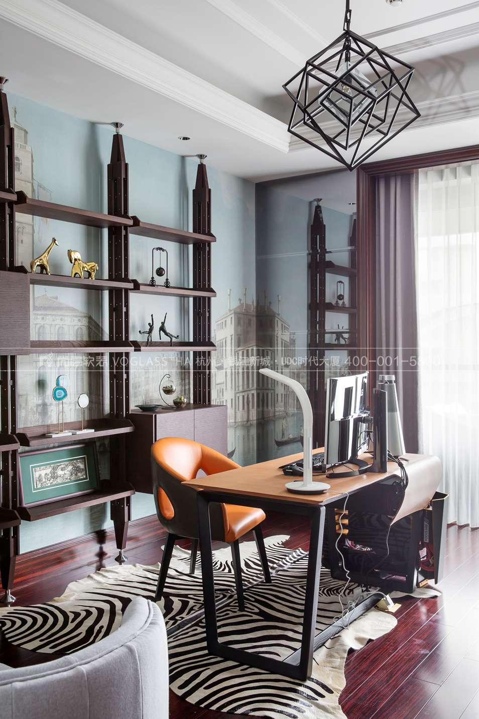 现代轻奢风格软装案例-书房实景图-尚层软装