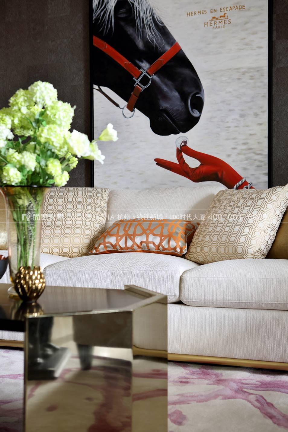 港式轻奢风格软装案例-客厅实景图-尚层软装