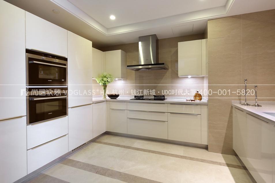 港式轻奢风格软装案例-厨房实景图-尚层软装