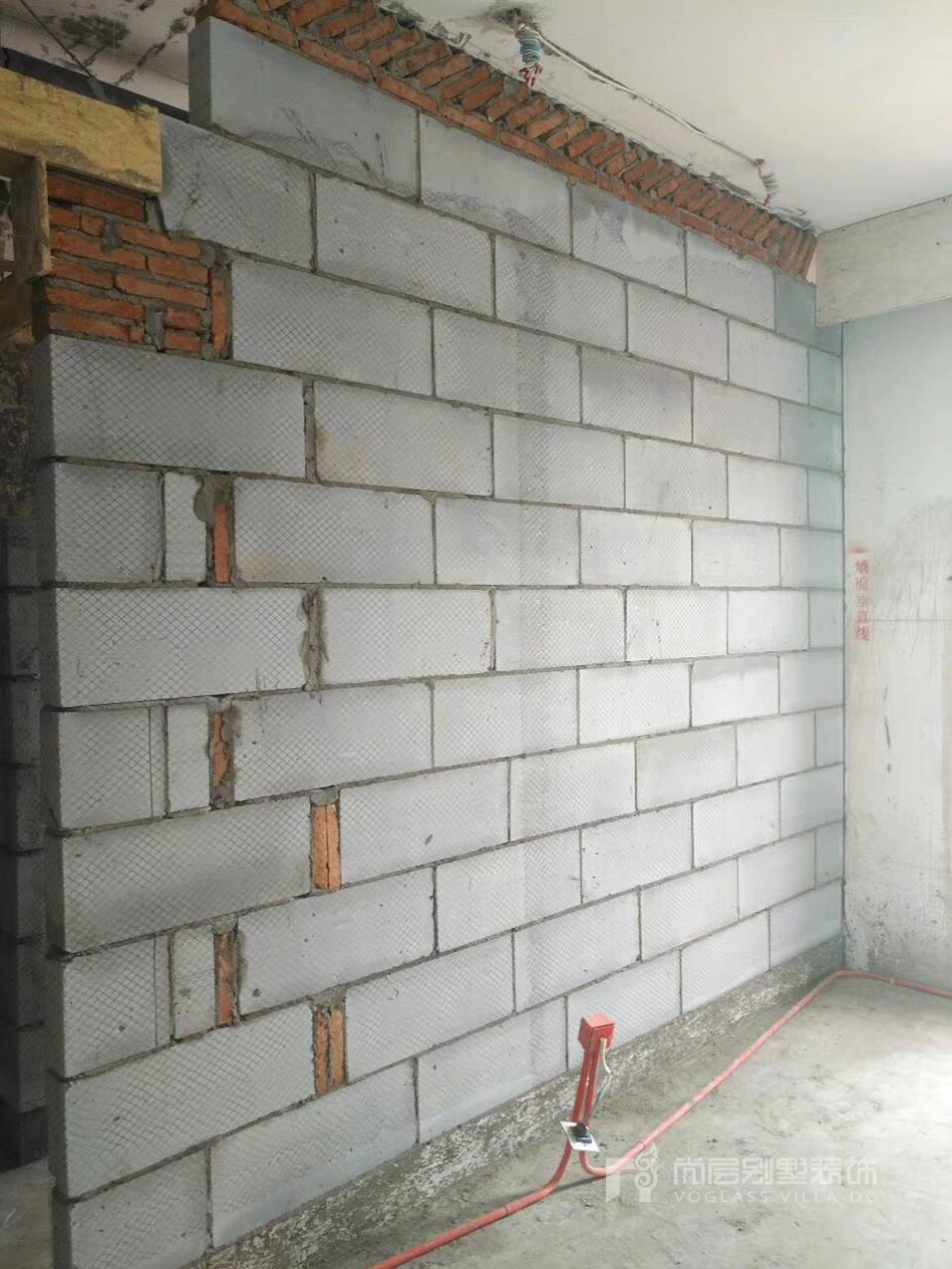 南京尚层装饰帝景天誉砌墙阶段