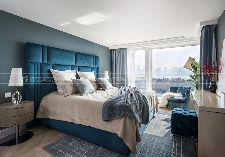 阳光海岸现代轻奢风格卧室装修实景图