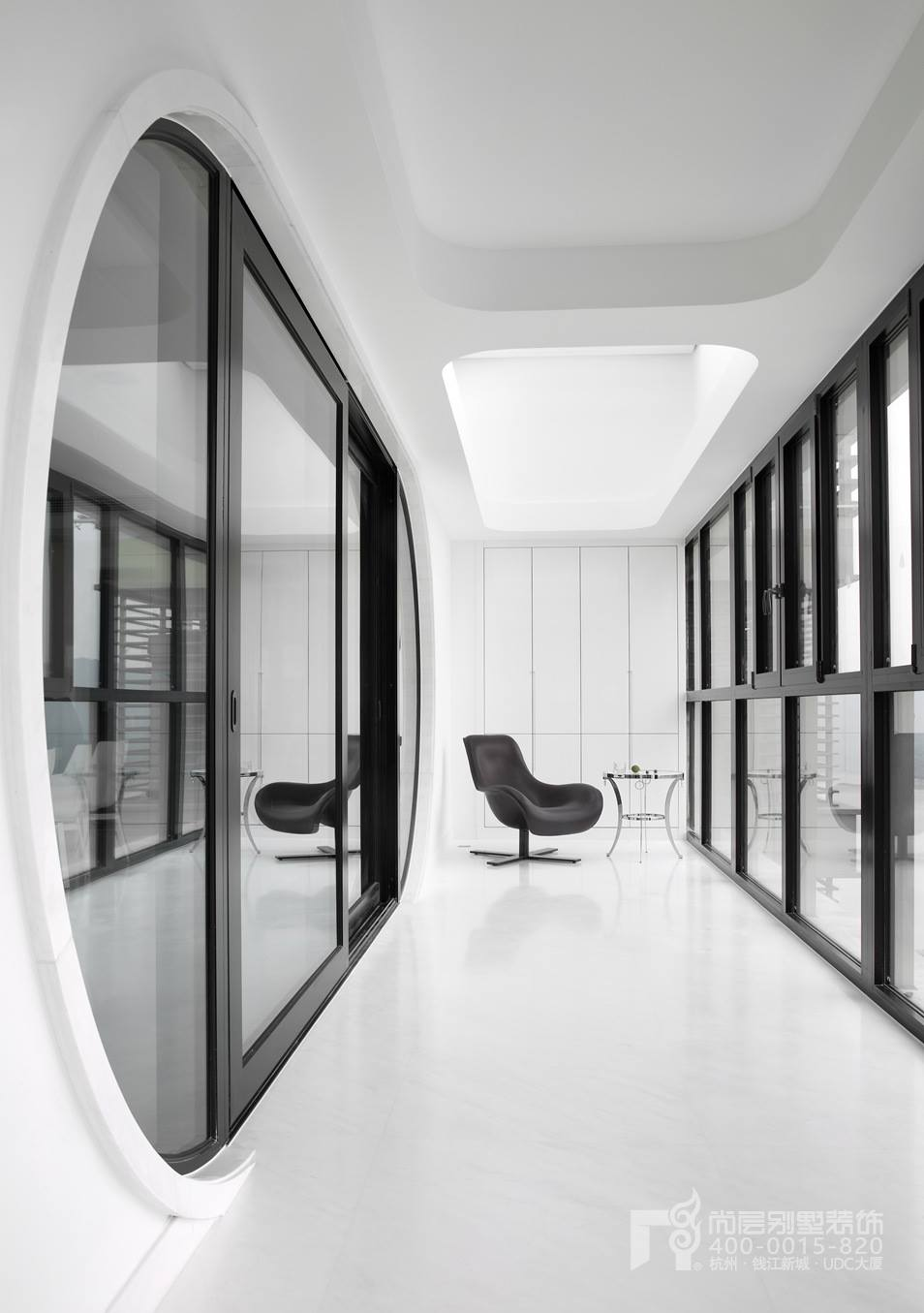 阳台黑白灰装修设计实景图