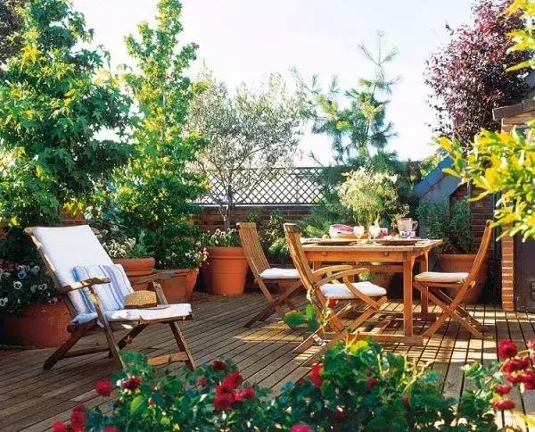 怎样打造一个漂亮的别墅庭院